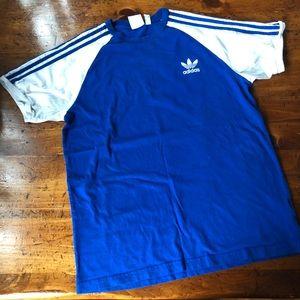 Adidas Vintage Soccer T - men's size large